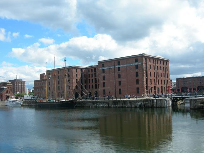 Liverpool City Walks - Maritime Museum