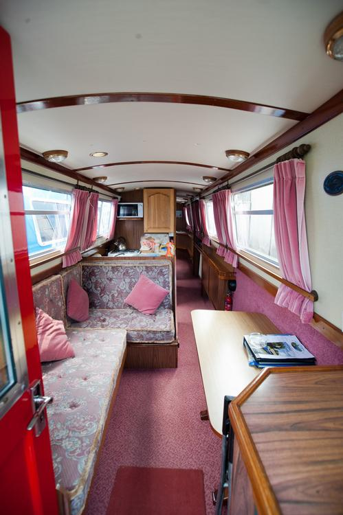 Narrowboat Holidays On The Grand Union Canal On