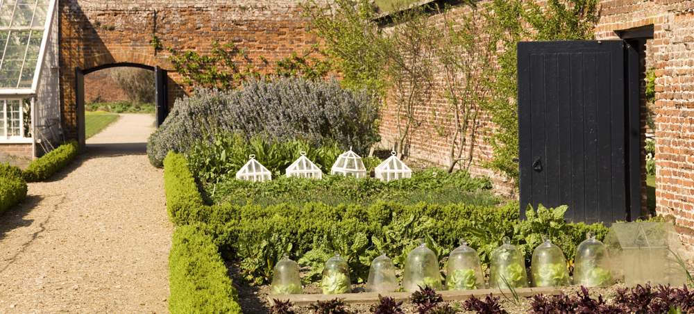 Victorian Gardens on AboutBritaincom