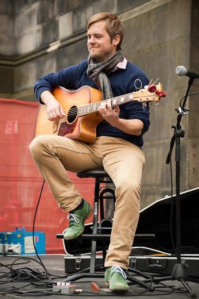 Guitarist on the Royal Mile during Edinburgh Fringe Festival