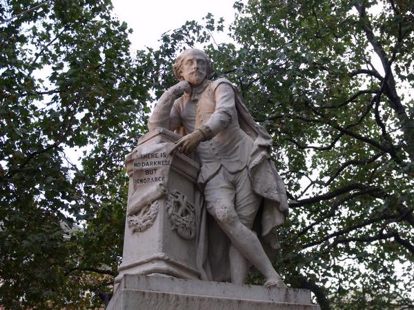 Statue of William Shakespeare in Leicester Square Gardens, London