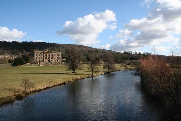 https://www.aboutbritain.com/images/articles/gardens-of-capability-brown-chatsworth-park-2240176225_0c4102517d_o.jpg