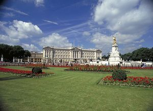 A short break in London - Visit with the Royals at Buckingham Palace!