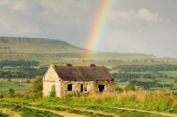 Wensleydale barn and rainbow