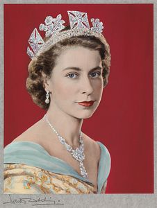 Queen Elizabeth II by Dorothy Wilding (Hand-coloured by Beatrice Johnson), 1952  (c) William Hustler and Georgina Hustler/ National Portrait Gallery, London