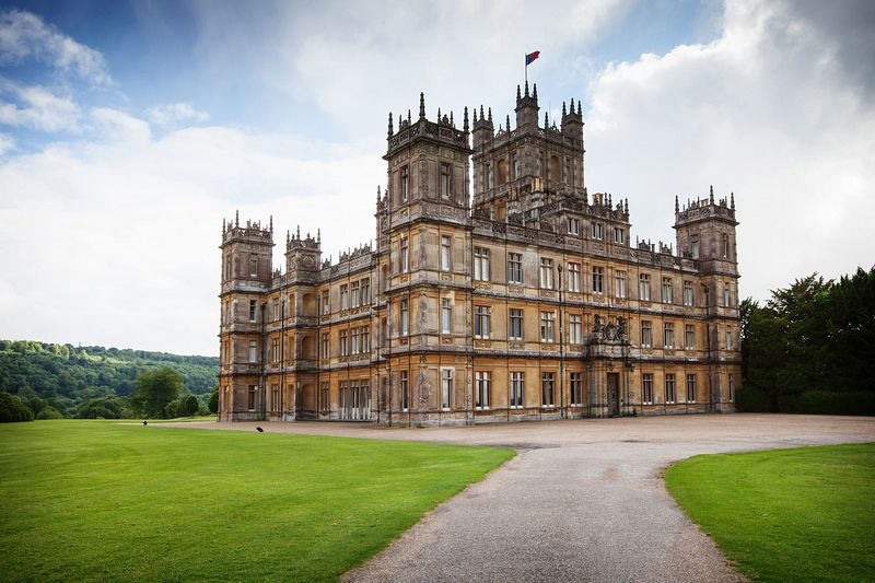 highclere castle on. Black Bedroom Furniture Sets. Home Design Ideas