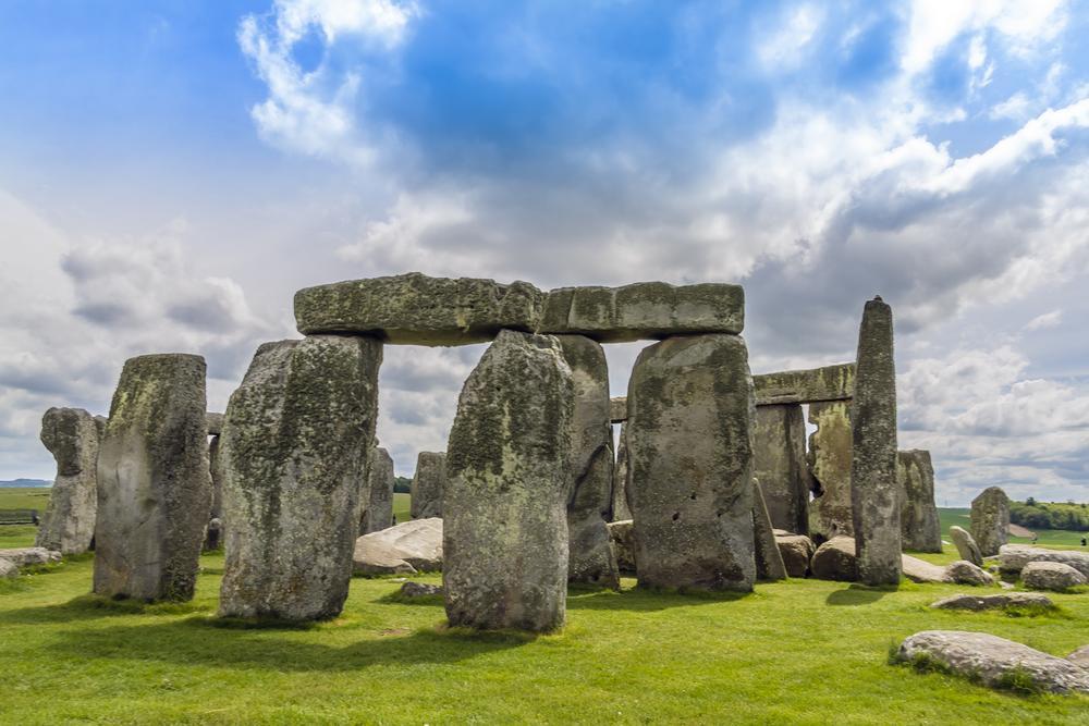 Stonehenge on AboutBritain.com