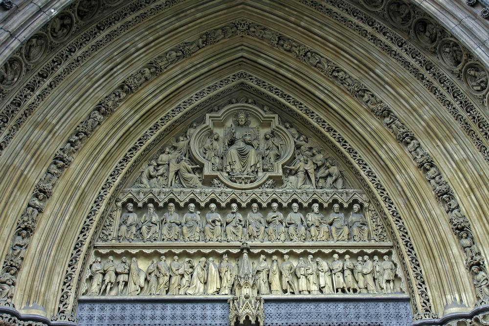 Closeup of carvings above door in Westminster Abbey & Westminster Abbey on AboutBritain.com Pezcame.Com