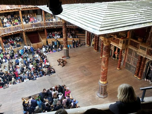 The Globe Theatre - Waiting for the Start
