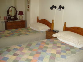 Twin bed room in the Cottage