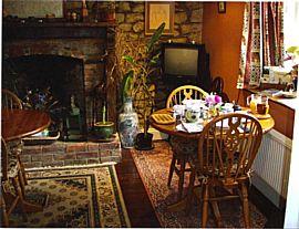 Breakfast room/ Lounge