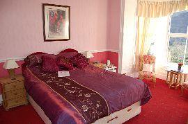 Room 5 Kingsize Bed