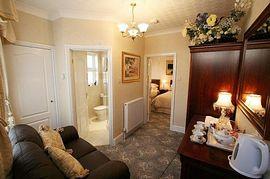 Barbican Lodge annex suite