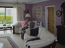 Suite private lounge