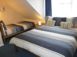 Twin/Double en-suite room