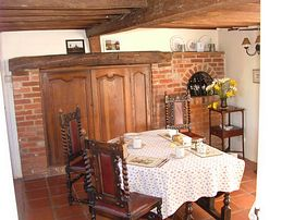 The dining room in the cottage