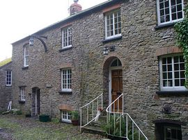 Built in 1670 - The Long House