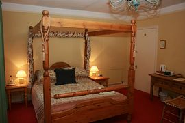 4 Poster Ensuite Bedroom