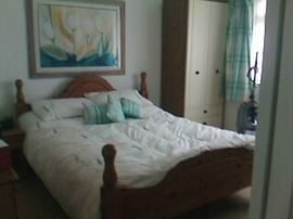 King bed with en-suite.