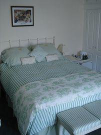 Room 5 (Family Room)