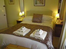 Double Bed with en-suite Bathroom
