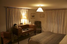 twin/double room with TV, internet, tea/coffe