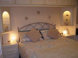 En-suite with kingsize bed