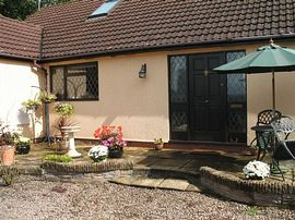 Marl Cottage front area