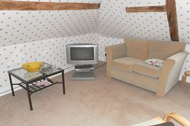 Sitting Room Available