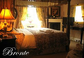Bronte Four Poster room