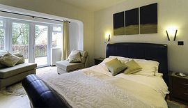 Large guest room suitable for a family