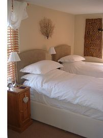 Kuba Bedroom