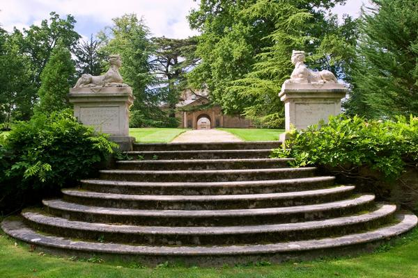Garden with stone steps and statues in Buscot Park