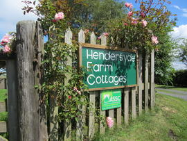 Hendersyde Farm Cottages - A Warm Welcome waits at Hendersyde Farm Holiday Cottages