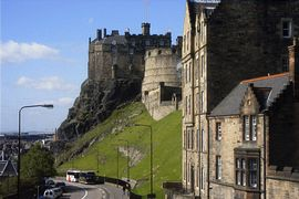 Apartments By Castle - Apt 16 /4 Building and Edinburgh Castle from Apt 11/1