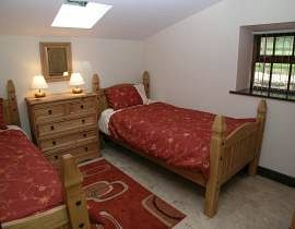 Fat Ox Cottage - Twin Bedroom