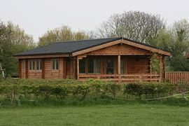 Country Retreat Equestrian Lodges -
