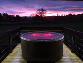 Artlegarth Country Lodges - Hot Tub