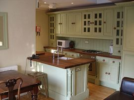 Bail Mews Self Catering Cottages - Kitchen inside a cottage for 4 people