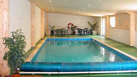 Twitchill Farm Cottages - Indoor swimming pool
