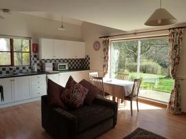 Chainbridge Riverside Retreats - Jasmine, a two bedroom cottage