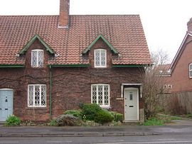 Knavesmire Cottage -