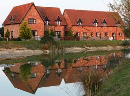 Colmworth Golf Club Holiday Cottages - Outside of cottages