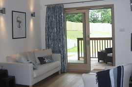 Cedar  and Oak Lodges - the lovely sunny lounge