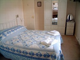 The double bedroom at Steep Holme View, Mineh