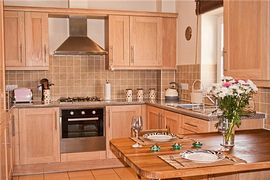 The Cove Self Catering Apartment - Fully Equipped spacious kitchen