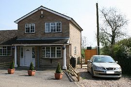 Northfield Lodge Holiday Cottage - Private settings
