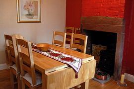 Grove Cottage - Dining Area