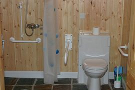 adapted bathroom in the cowbyre
