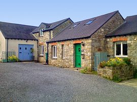Groom's Cottage, Mews, Coach House. 	 - Three charming holiday cottages.